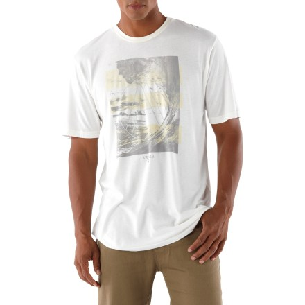 Cruise around town in the comfortable Arbor Offshore T-shirt. Extra-soft, comfortable fabric is a blend of viscose from bamboo and organic cotton; fabric wicks moisture, dries quickly and helps fend off odors. Arbor Offshore T-shirt is finished with a ribbed crew neck and flatlock seams. - $16.83