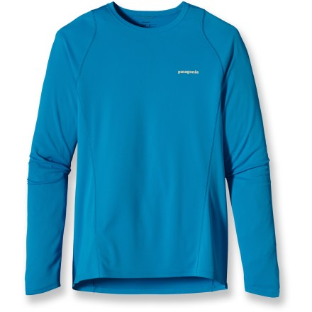 Fitness The Patagonia Fore Runner long-sleeve T-shirt enhances your comfort on the run thanks to a bit of extra coverage. Quick-drying and moisture-wicking polyester mesh fabric offers UPF 30 sun protection. Gladiodor(R) natural odor control employs benign amino acids to help keep funky scents at bay; plus, it's nonpolluting, safe and durable. Reflective logos on chest and center back enhance visibility. Offset seams reduce chafing. The Patagonia Fore Runner long-sleeve T-shirt offers a slim fit. - $30.93