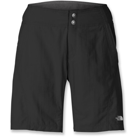 MTB The rugged and light Pachecho mountain bike shorts from The North Face offer trail-ready performance for all-day rides on your favorite trails. Rugged ripstop nylon outer shorts offer plenty of breathability for high-energy riding. Durable Water Repellent finish causes water to bead up and roll off, fending off light rain showers and snow. Removable liner shorts have a women-specific chamois to relieve pressure points for all-day comfort in the saddle; special fibers discourage odors. Broad, contoured waistband is raised in the back for increased coverage in the riding position; elastic at sides for a comfortable fit. Mesh pockets breathe easily; built-in sunglass wipe in right hand pocket is always ready to clean your optics when you're on the go. Reflective detailing increases your visibility in low light. The North Face Pachecho shorts feature reinforced stitching throughout stress zones to stand up to hard riding. - $65.00
