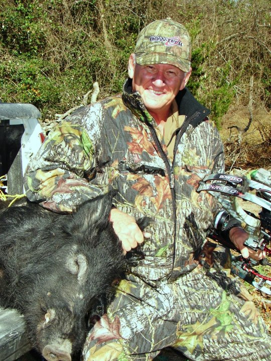 Here's a shout out to Rob Abbott with his Insanity CPXL. Rob has been a great friend of the company for the last several years. Thank you Rob for your support! Congratulations on your big Texas Boar!