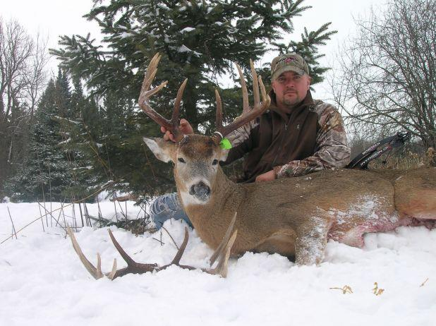 """Like this to congratulate Jason Thom, shop shooter for Bowhunter's Unlimited, on his 152"" whitetail shot the last week of the Wisconsin season! http://ow.ly/i/rqpy"