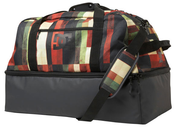 Key Features of the DC Expresser Duffle Bag: 600D Polyester Main Compartment Body 210D Polyester Lining Tarpaulin Fabric On Boot Compartment For Durability. Fully Padded Boot Compartment. Interior Goggle Pocket Small Zipper Exterior Pocket. Removable Shoulder Strap Average Weight - 1.12Kg - $44.95
