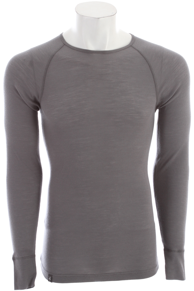 "Now a renown Ibex baselayer, the Woolies Crew is form fit with raglan sleeves and flat seams. 18.5 micron New Zealand Merino wool fabric forms a perfect 150g/m2 baselayer weight. Woolies: The 18.5 superfine wool yarn offers a warm, close-to-the-body fit that moves with you and keeps its shape. This award-winning, guide-approved ribbed fabric feels luxurious yet holds up in most rigorous conditions. The rib construction provides space for air permeability contributing to superior performance and excellent stretch and recovery. Naturally odor resistant, or ""no stink"" is a huge bonus. First layer on, last off, you'll be so comfortable you'll forget you're wearing anything! Machine washable.Key Features of the Ibex Woolies 150 Crew Baselayer Top: Lightest Ibex base layer Form-fit Flatlock seams Raglan sleeves Wide cuff detail Tag-free labels Made in Canada 18.5 micron 100% Zque New Zealand Merino wool 150 g/m2 Garment Weight (oz): 6.4 oz - $56.95"