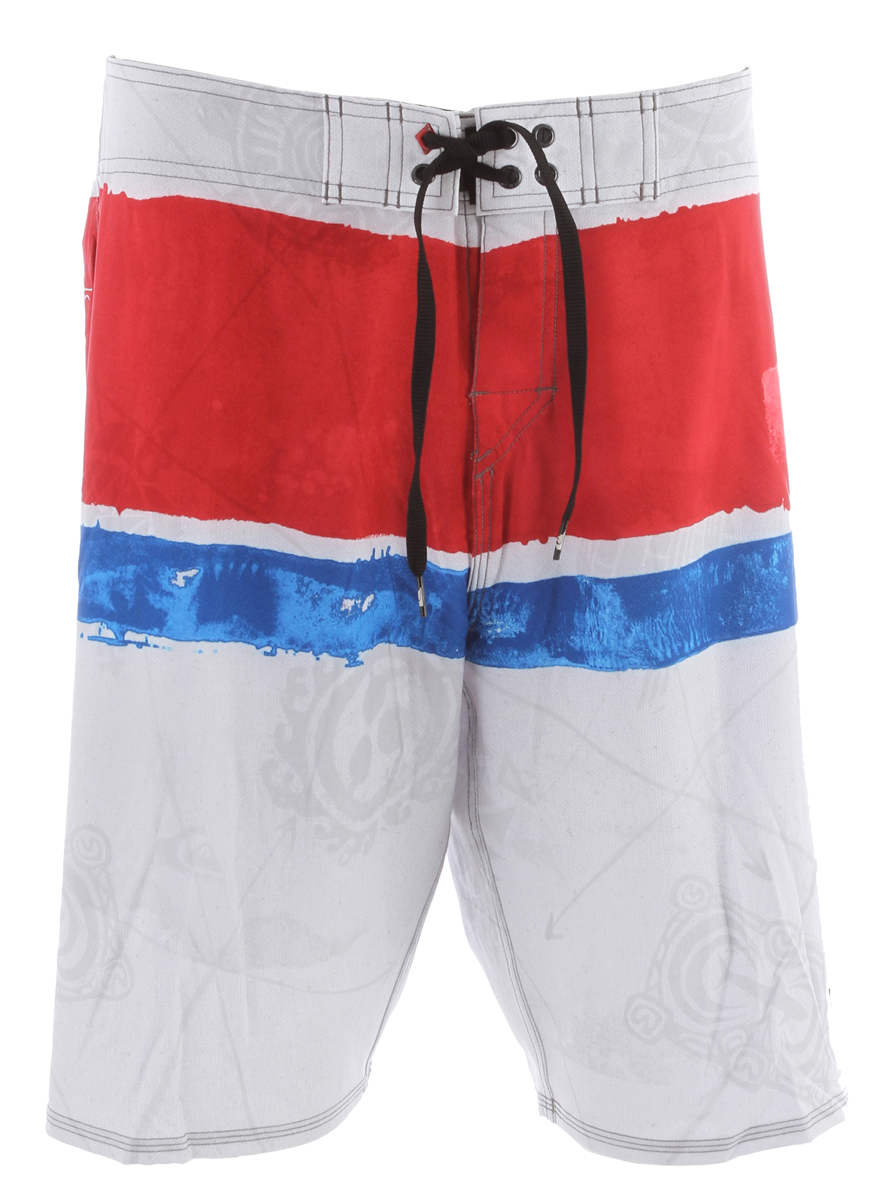 Surf Kelly said in an interview that he hasn't been at home for more than a month straight since high school. Maybe that is why he named these signature trunks the Cypher Kelly Nomad.Key Features of the Quiksilver Cypher Kelly Nomad Boardshorts: 88% Polyester 12% Spandex Water repellant 4 Way Stretch Diamond Dobby 21 inch Outseam Double up closure with new Diamond Fly - $38.95