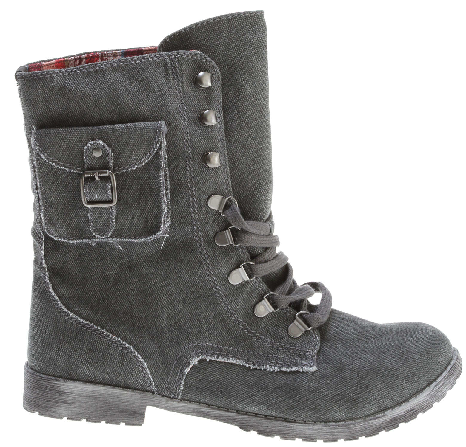 Surf Key Features of the Roxy Ponderosa Boots : Enzyme washed canvas upper with pocket detail Soft cotton laces with metal hardware Woven logo flag Canvas lining Flexible TPR injected lug outsole - $44.95