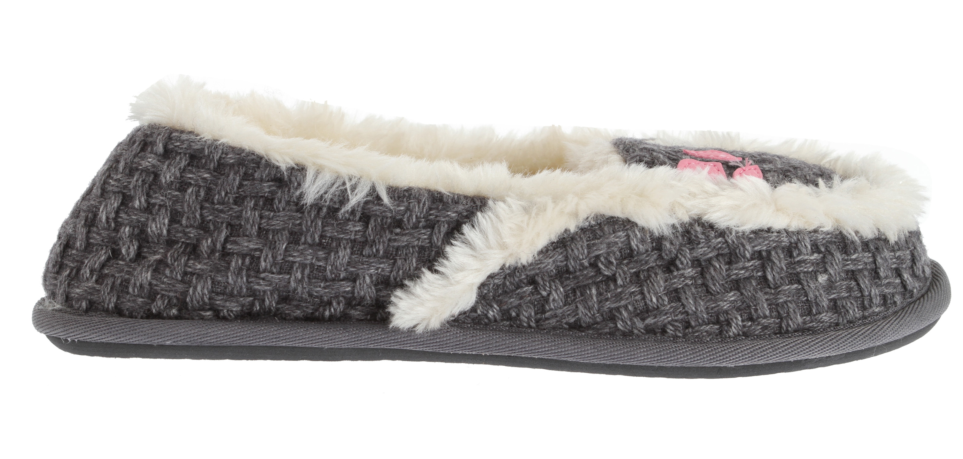 Surf Kick-start your morning routine with the colorful and cozy Snooze Bar 2 from Reef. Crafted with a soft, multi-tone plaid fabric upper, the slipper is trimmed and lined with plush faux shearling and features a flexible, non-skid rubber sole. It's a definite treat for the feet on those cold, wintry days!Key Features of the Reef Snooze Bar 2 Sandals: Fabric upper Faux shearling or fur lining Rubber sole - $22.95