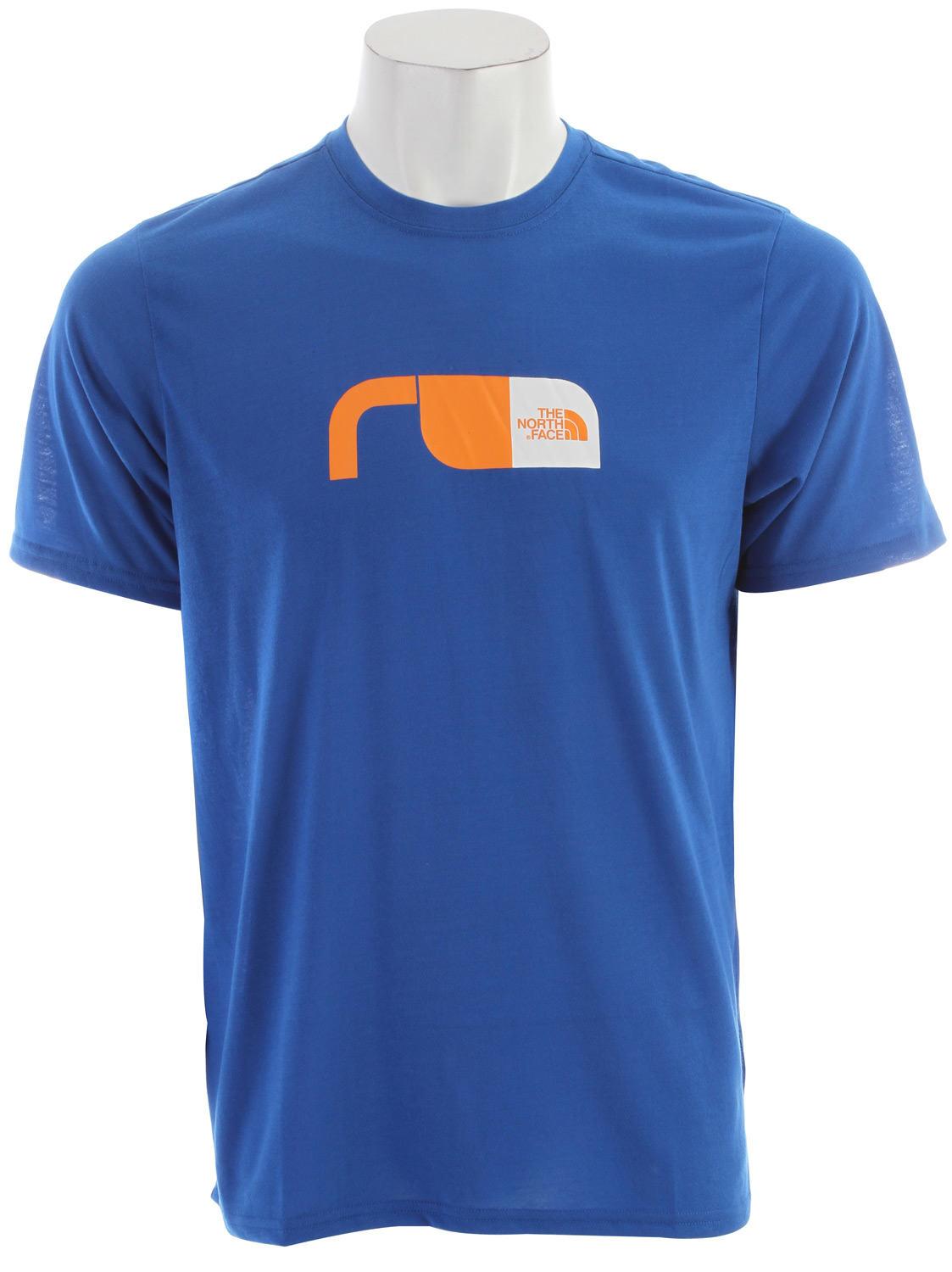 "Short-sleeve VaporWick tee provides excellent moisture management with a comfortable cotton feel, perfect for in-the-gym training.   Key Features of the The North Face Graphic Reaxion Crew T-Shirt: Soft, ultralight fabric Relaxed fit Set-in sleeves Drop-tail hem Locker loop Center back: 27.5"" Fabric: 140 g/m² 100% polyester jersey - $16.95"