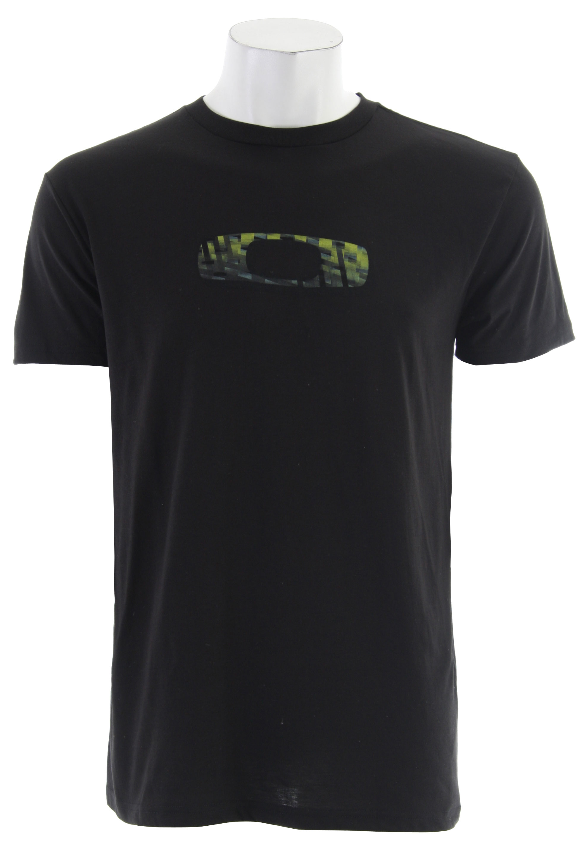 Key Features of the Oakley Voyage Sun Shirt: Short sleeve Dry shirt rashguard Tee fit Flatlock stitching and front logo screen print 85% Poly 15% Cotton - $27.95