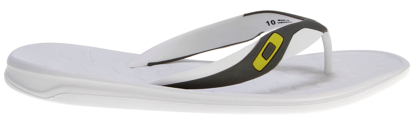 Surf Key Features of the Oakley Operative 2 Sandals: Upper: 2 color injection molded TPU strap with raised Oakley icon Footbed/Midsole: Compression molded EVA chassis Outsole: High traction, high abrasion Unobtanium® rubber insert outsole - $32.00