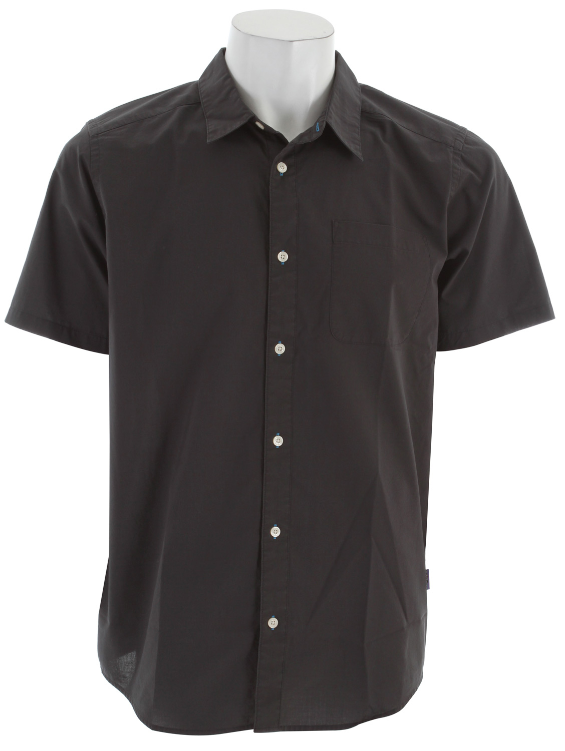 A comfortable, easy-care short-sleeved shirt in an organic cotton/polyester plain weave. fabric: 3.7-oz 70% organic cotton/30% polyester plain weaveKey Features of the Patagonia Go To Shirt: Lightweight, breathable organic cotton/polyester plain weave Button-front shirt with single left-chest pocket Shirttail hem Slim fit - $38.95