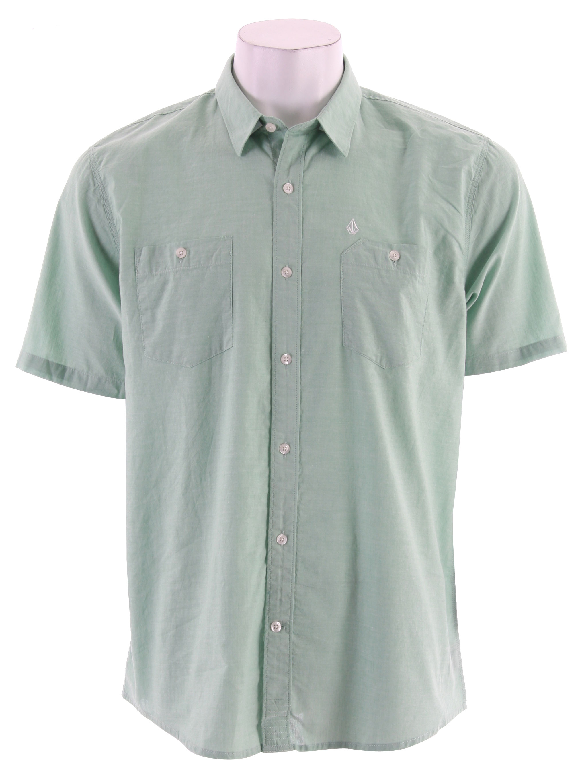 Surf Key Features of the Volcom Retract S/S Shirt: Classic fit shirt with triple needle stitching Double pockets Stone embroidery 100% Cotton Chambrey - $27.95