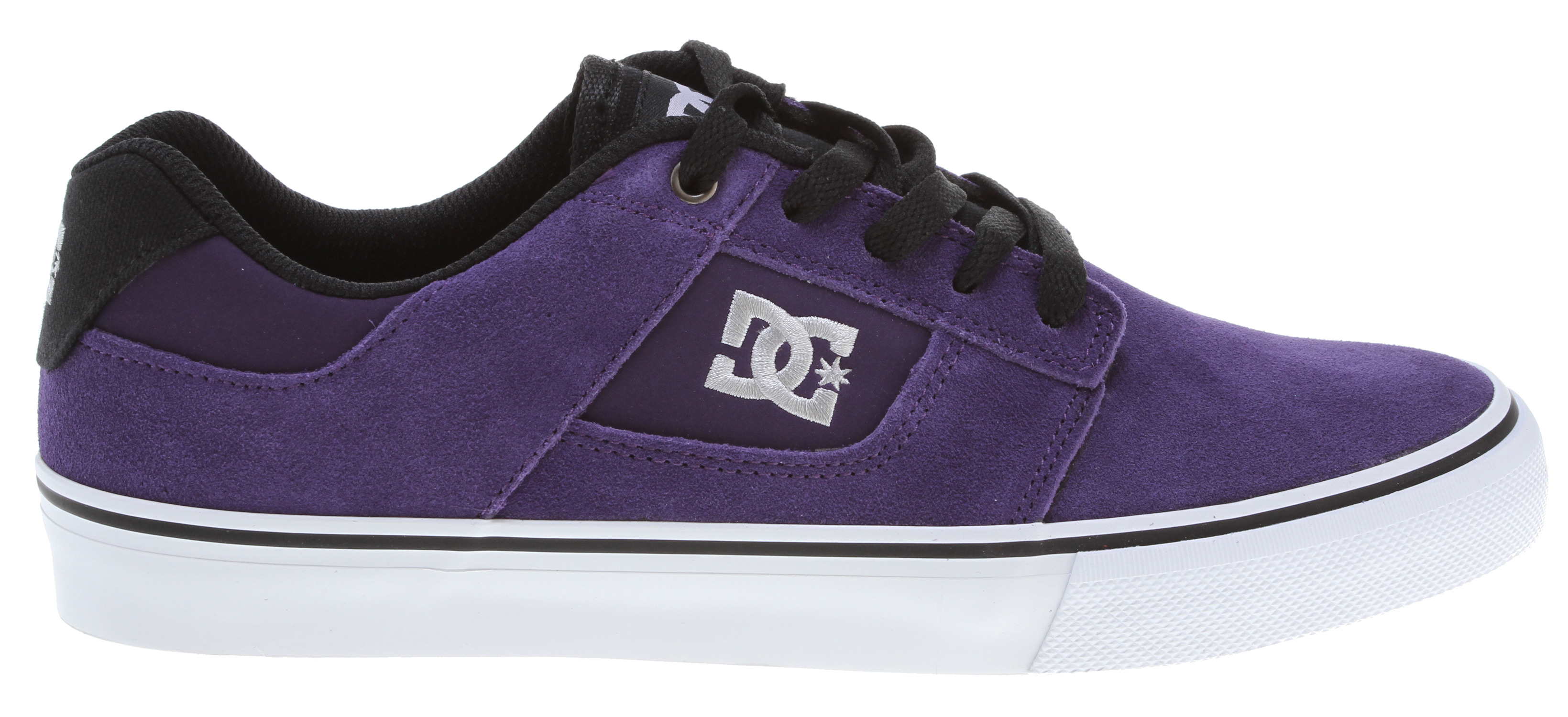 "Skateboard Keep it low pro in the Bridge. Its upper is either suede and synthetic nubuck or canvas, and it features an embroidered logo and metal lace eyelets. The sole uses vulcanized rubber construction for board feel and sole flex, while the outsole uses an abrasion-resistant sticky rubber.Key Features of the DC Bridge Shoes: Suede And Synthetic Nubuck Or Canvas Upper Embroidered Logo Metal Eyelet Vulcanized Construction For Great Board Feel And Sole Flex Abrasion-Resistant Sticky Rubber Outsole DC's Trademarked ""Pill Pattern"" Recessed Tread - $38.95"