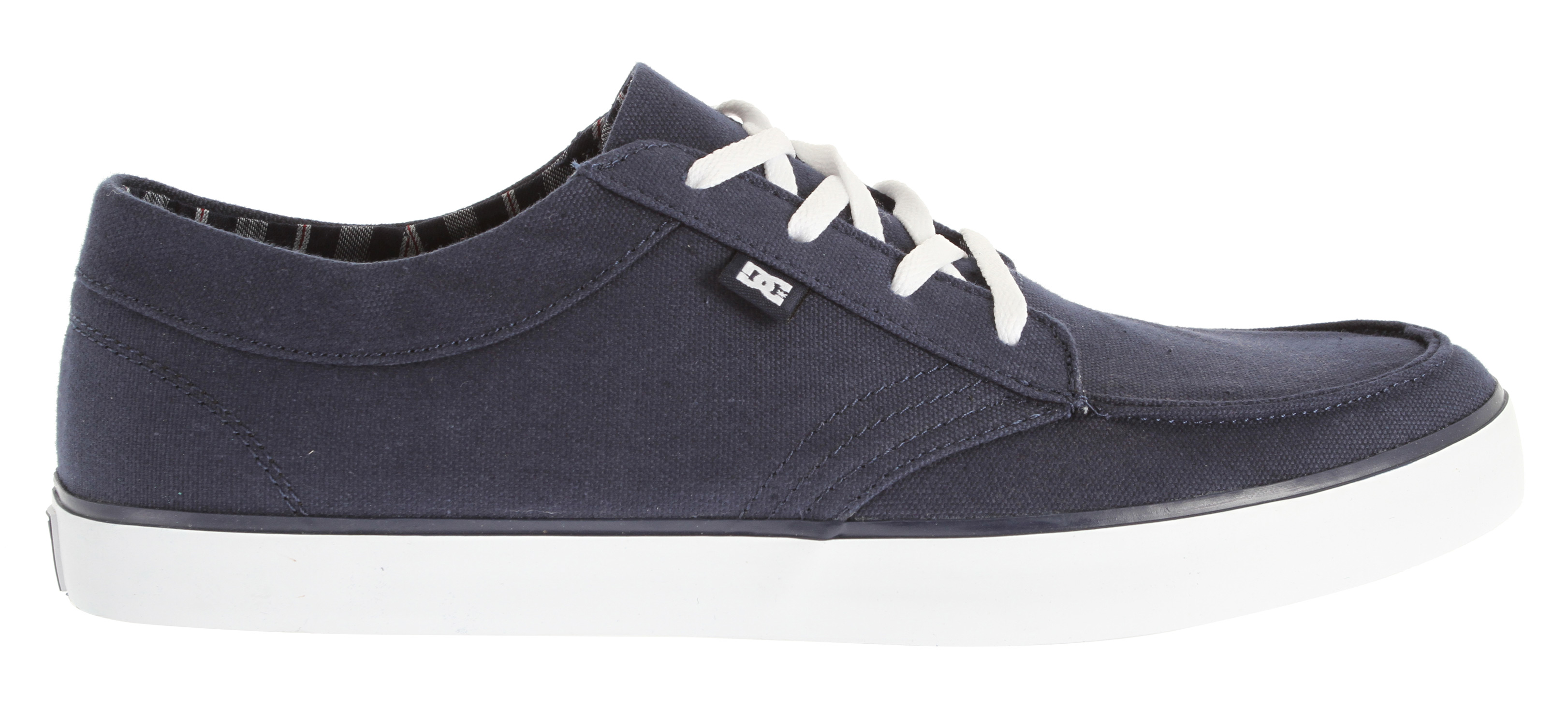 "Skateboard Key Features of the DC Standard TX Skate Shoes: Mock toe lace up Brushed twill or flannel herringbone textile upper Soft canvas lining DC's trademarked ""Pill Pattern"" outsole Does not come in box - $31.95"