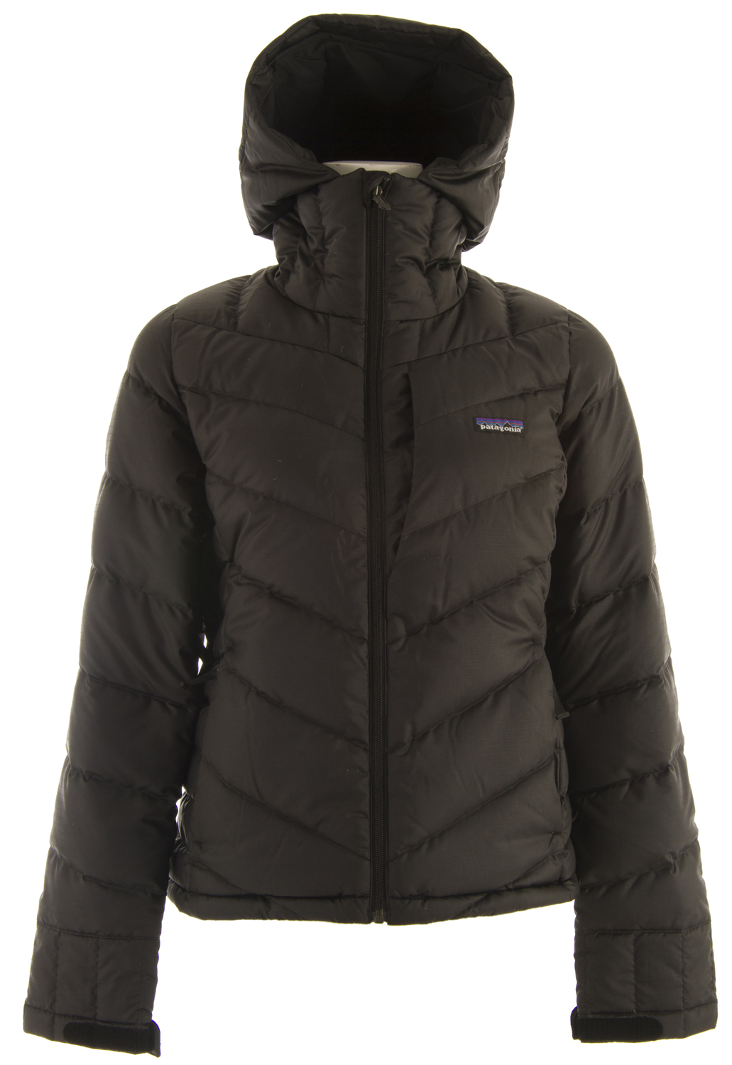 Ski The Patagonia Pipe Down Ski Jacket is a cute down jacket, made of polyester ripstop, and insulated with 600-fill-power goose down provides warmth for all-day riding.Key Features of the Patagonia Pipe Down Ski Jacket: Soft polyester ripstop shell with a light water-resistant coating, and a Deluge DWR (durable water repellent) finish to resist moisture and wet snow 600-fill-power goose down insulation is plush, compressible and very warm Fixed helmet-compatible hood with single-hand drawcord adjustment; high fleece-lined collar protects against wind and snow, keeps neck cozy and warm Pit zips quickly release heat; articulated arms improve mobility Removable powder skirt is adjustable and fully featured; webbing loops connect to any Patagonia Ski/Snowboard Pants to keep the snow out and the skirt down Pockets: Two handwarmers, one chest, one interior drop-in and one interior zippered; includes secure, interior media pocket with cable routing Hem can cinch for extra chilly days; drawcord exits into hand pockets for easy adjustments Regular fit (25.2 oz) 714 g fabric: 2.1-oz 100% microdenier 100% polyester ripstop with a light water-resistant coating and a Deluge DWR finish. Lining: 2-oz 100% polyester plain weave. Insulation: 600-fill-power premium European goose down. - $208.95