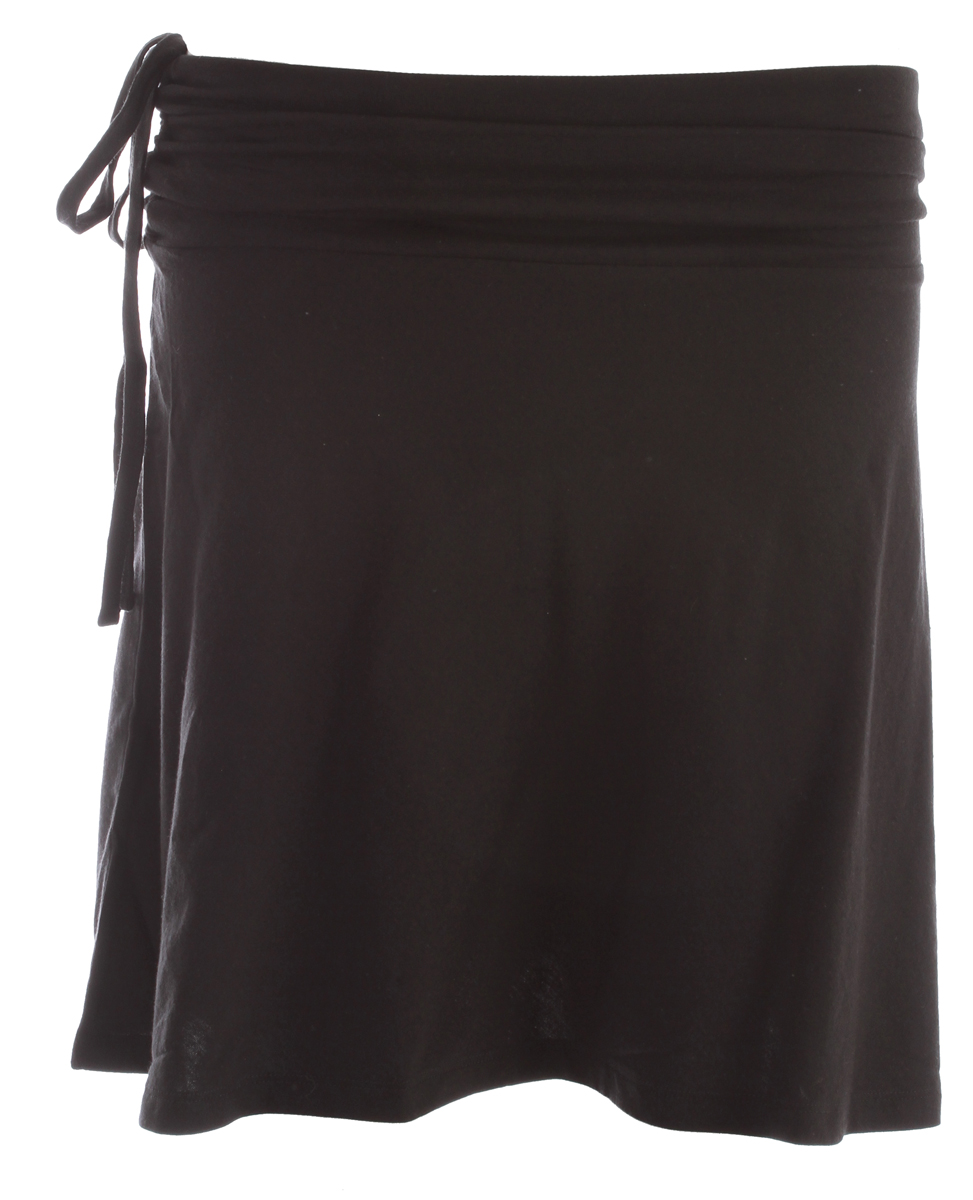 A soft, versatile summer skirt that converts to a top; made of a lightweight organic cotton/Tencel lyocell blend. FABRIC: 4.8-oz 55% organic cotton/45% Tencel lyocellKey Features of the Patagonia Lithia Skirt: Regular fit Jersey knit with a soft hand and smooth drape Snug, wide, cinched waistband; adjustable on right side with ties A-line skirt falls above the knee When converted to a top, the waistband becomes a bandeau-style bodice and the ties secure behind the neck - $36.95