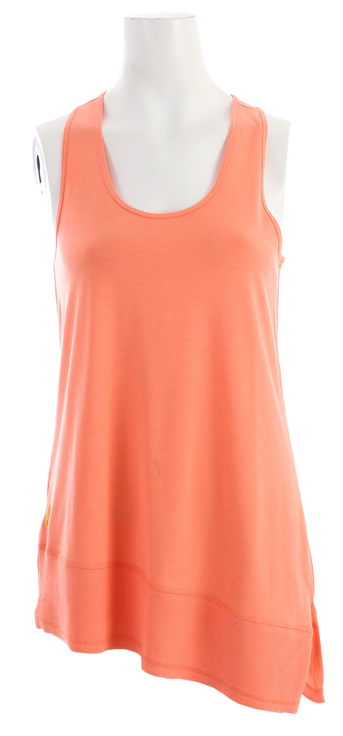 "Surf Key Features of the Lole Savasana Tank: Tank top with scooped neckline/Crossover straps at back Rib insert at bottom Reflective logo Length 29"" 73.5 cm - $39.95"