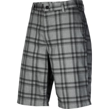 Skateboard For a classic look you can rely on summer after summer, pick up the classic fitting DC Worker Short and never worry about going out of style. - $39.50