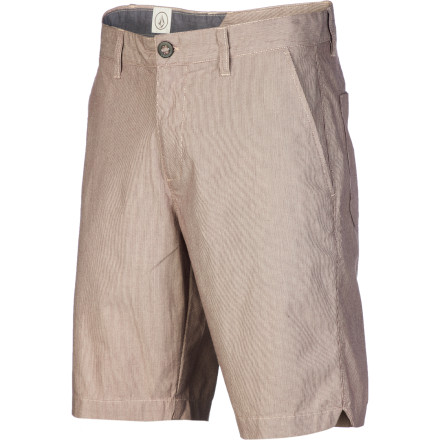 Surf A chino short is a summertime staple, and the Volcom Men's Fruckin Loco Short updates the classic with an insanely touchable pre-laundered fabric. Put these softies on, and feel the crazy comfort. - $29.67