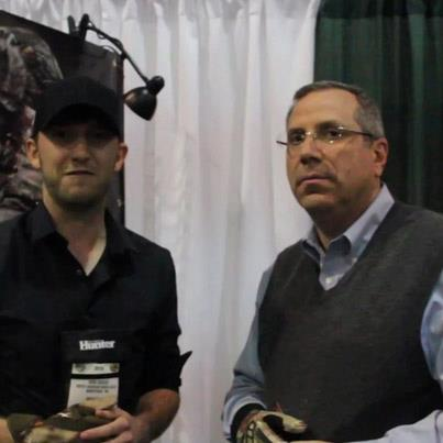 Online Editor J. Dahlke Hunting stopped by the Huntworth booth at SHOT Show and spoke with CEO Neal Ash about their line of gloves and hats that are designed to fit like a second skin. 