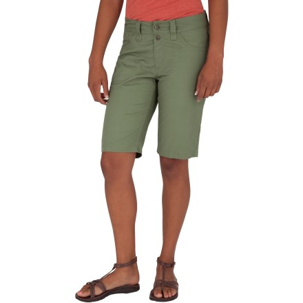 Surf The Royal Robbins Kick Around shorts are built to tackle a full day of fun in style and comfort. Long inseam and slim cut provide coverage without being constrictive. Cotton canvas is lightweight, durable and naturally breathable; a touch of spandex adds comfortable stretch for full range of motion. Integrated UPF 50+ sun protection continuously guards against harmful ultraviolet rays, protecting your skin no matter how long your day lasts. Mid-rise waistband with zip fly and double-button closure provides a secure, comfortable fit. Royal Robbins Kick Around shorts feature hand pockets and rear patch pockets for easily storing small items. Closeout. - $22.73