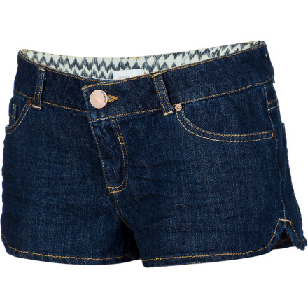 Surf Featuring classic form and styling but with stretchy comfort and a modern wash, the O'Neill Women's Eve Denim Short never goes wrong. A metal shank button and classy waistband lining add sophistication to all that sexiness. - $39.45