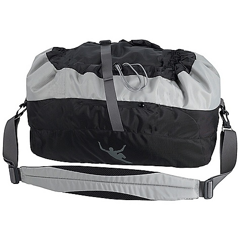 Climbing Mammut Rope Bag Pro DECENT FEATURES of the Mammut Rope Bag Pro Large, rugged mat Padded shoulder straps Carried as a shoulder bag The SPECS Weight: 599 g Capacity: 50-80 meter Rope Fabric: Ripstop 420 ALL CLIMBING SALES ARE FINAL. - $44.95