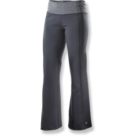 Fitness Strength, balance and flexibility aren't just things you find on the yoga mat, they also accurately describe the Moving Comfort Flow pants, an essential addition to your casual and yoga wardrobes. - $45.73