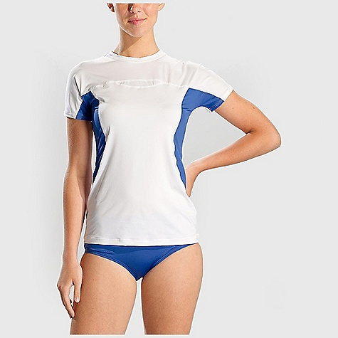 Free Shipping. Lole Women's Beach Rashguard DECENT FEATURES of the Lole Women's Beach Rashguard Flatlock stitching for better comfort Length: 25in. / 63.5 cm - $49.95