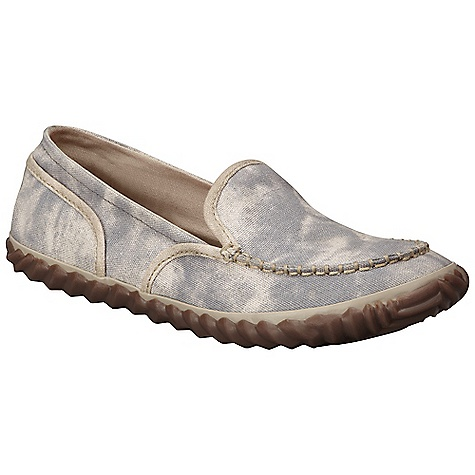 Free Shipping. Sorel Women's Temblant Canvas Moc DECENT FEATURES of the Sorel Women's Tremblant Canvas Moc Washed canvas and suede upper Vulcanized rubber midsole Canvas Lining Molded PU Footbed Rubber Outsole Weight: 6.4 oz / 181.4g - $69.95