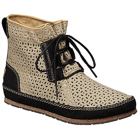 Free Shipping. Sorel Women's Ensenada Boot DECENT FEATURES of the Sorel Women's Ensenada Boot Perforated canvas upper Soft felt midsole provides comfort Heel cup and arch support in the footbed Canvas lining Felt Midsole Distressed rubber outsole Weight: 9.2oz / 260.8g - $139.95