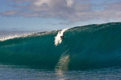 Surf Steve Ryan catches a breathtaking moment at Teahupoo