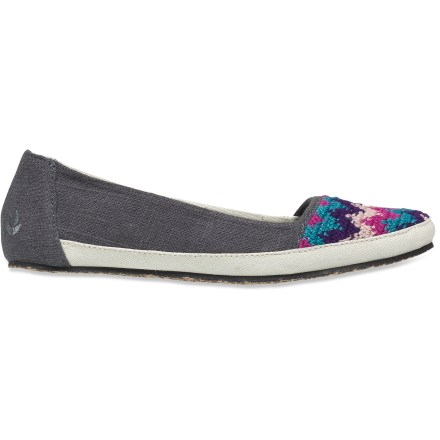 Surf The Reef Costa Capri shoes feature fun, casual styling for everyday wear. Soft, flexible and naturally breathable hemp uppers feature a fun design at the toes. Sliding your feet in and out of these shoes is comfortable and easy thanks to the internal suede leather heel patch. Your feet will enjoy the pillowy comfort of the mattress-inspired quilted polyurethane foam footbeds, which offer plenty of cushioning underfoot. Shaped arches offer a touch of support. Rubber outsoles on the Reef Costa Capri shoes feature jute fiber inlays for naturally enhanced traction and style. - $31.83