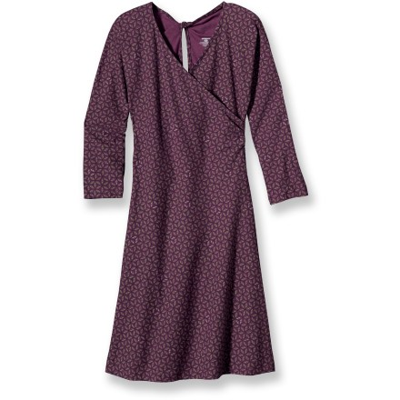 Entertainment Perfect for those times when you want to unwind and hang out with friends, the Patagonia Bay Laurel Wrap Dress is made of comfortable stretch cotton. Organic cotton/spandex blend is soft and breathable. 1/2-sleeves; accented with keyhole and twist at center back. The Patagonia Bay Laurel Wrap Dress falls above the knees. Closeout. - $49.93