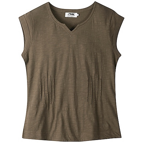 Free Shipping. Mountain Khakis Women's Oxbow Knit Short Sleeve DECENT FEATURES of the Mountain Khakis Women's Oxbow Knit Short Sleeve 100% Cotton Slub Knit Tapered Sleeve Hems Decorative Pin Tucks at Center Back Sweetheart Neckline MK Lasso Chain Stitch Embroidery Garment Washed Casual Fit, Feminine Flair - $54.95
