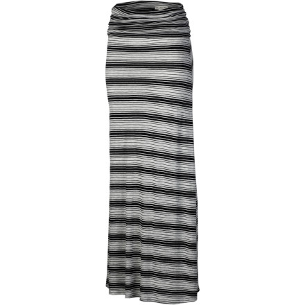 Surf The smooth, floor-length Billabong Women's Dreamscaper Maxi Skirt adds coverage in the hot sun or drama to your nightlife. Pull the fold-over waistband up for an easy strapless dress when you're feeling extra sassy. An all-over print provides sporty appeal. - $39.45