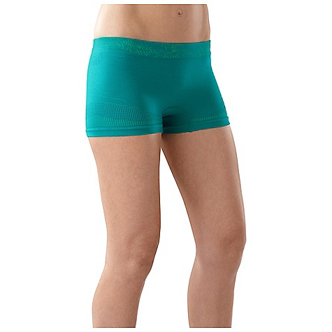 On Sale. Smartwool Women's PhD Seamless Boy Short DECENT FEATURES of the Smartwool Women's PhD Seamless Boy Short Form Fit - Mid Rise Seamless construction for ultimate comfort Wide waistband for feminine, flattering fit Varied knit textures for ventilation and body enhancing fit The SPECS Garment Weight: 2.12 oz / 60 g Inseam: M: 2.5in. / 6.5 cm 80% Merino Wool, 17% Polyester, 3% Elastane - $31.96
