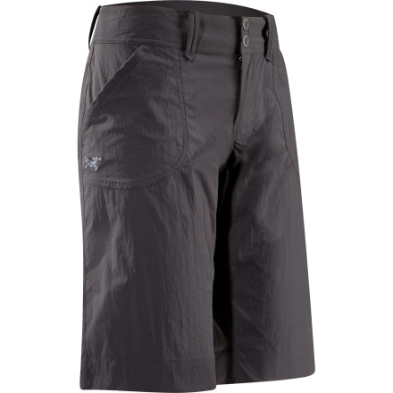 Camp and Hike The Arc'teryx Women's Parapet Long Short combines technical pedigree with casual urban style for a short you can wear to the crag, on the trail, or around town. Comfortable even under a harness or after a stream crossing, the Parapet Long Short proves to be a go-to garment for high adventure. - $78.95