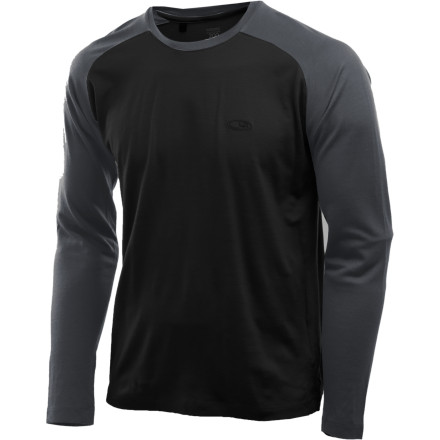 Camp and Hike The Icebreaker Superfine 190 U Turn Shirt uses fine-knit New Zealand Merino wool to help you maintain a comfortable temperature during trail runs, backpacking trips, and jogs with the dog. Merino keeps you from getting too hot or too cold, making the U Turn more useful in more weather conditions than any synthetic performance top in your closet. Forward seams minimized pack rub, and the side pocket w/ cord port is the perfect spot for your iPod. - $35.98