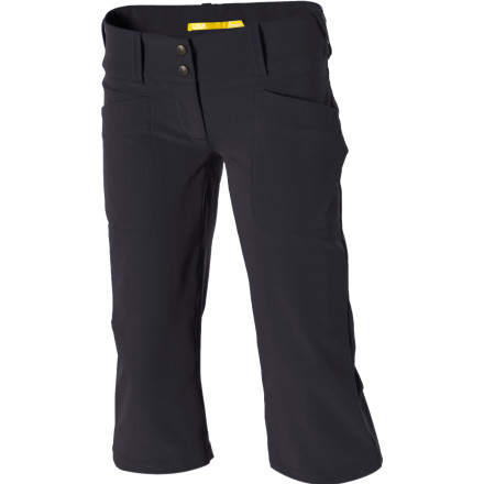Climbing Wearing your Lole Women's Explore Capri Pants inspires you to get outside and see what's happening in your neighborhood. You don't have to climb the tallest mountain or dive in the deepest seas to find adventureeAsometimes, it's just waiting around the corner. - $42.48