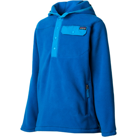 Before sending junior off to school, make sure he'll stay warm during recess with the Patagonia Boy's Lightweight Snap-T Hooded Fleece Jacket. Spandex trim on the hood, cuffs, and hem provides a snug fit that seals out cool weather, and the kangaroo-style front pockets warm up cold hands. - $79.00