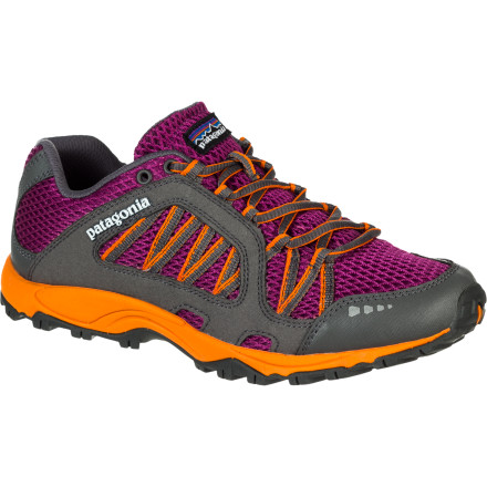 Fitness Leave the tank-like trail running shoes behind and forge up the singletrack in the lightweight, minimalist Patagonia Women's Fore Runner Evo Trail Running Shoe. Built close to the ground with a low-drop profile and semi-curved last, the Fore Runner Evo gives you a catlike feel for the trail and enables a nimble, low-impact forefoot-strike style. - $108.00