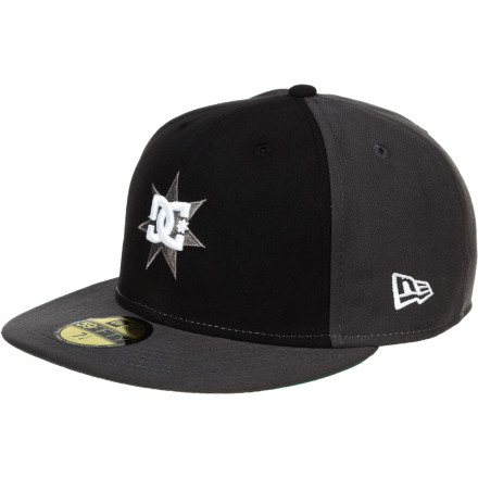 Skateboard DC Supergnar New Era Hat - $17.70