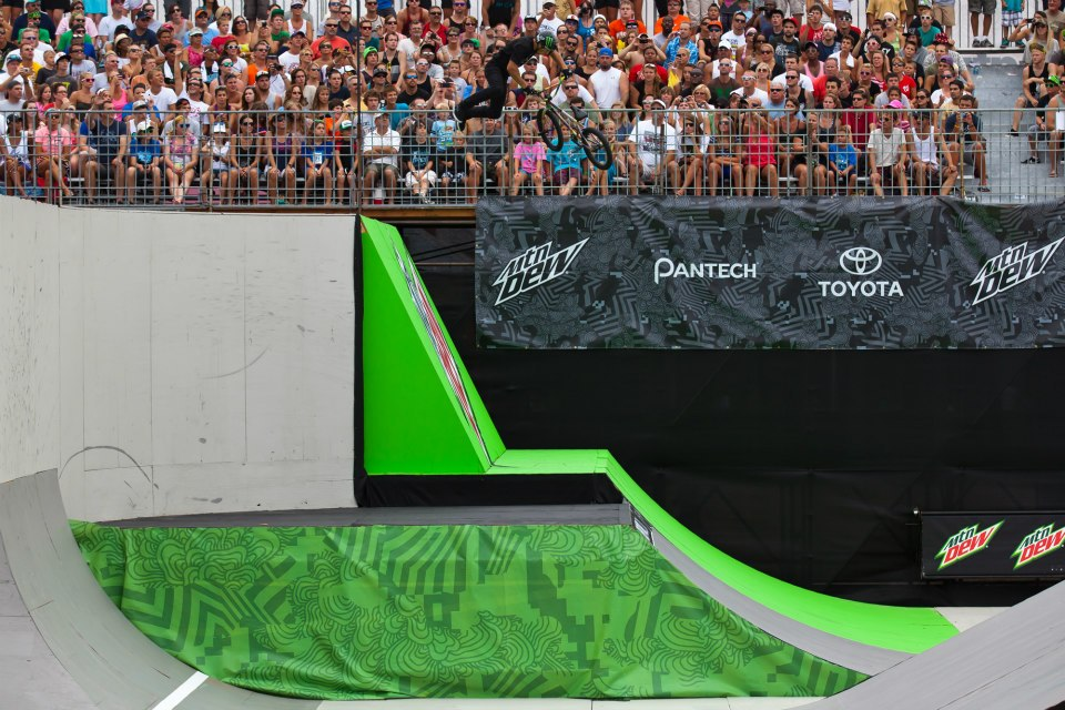 BMX dew tour air