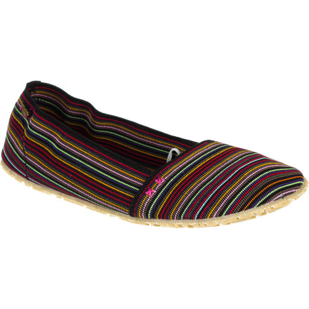 Surf Bound to become a summertime fave, the light and easy Roxy Women's Verbena Shoe gives you tons of beach-loving style in a light and tight package. A mini-striped soft elastic asymmetrical upper always fits your foot in fashionable comfort, and a tatami-padded footbed and burlap and rubber sole support your foot with a barely there feel. When you yearn to feel the sand between your toes, toss this skinny shoe into your bag or back pocket. - $39.20
