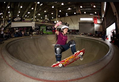 Skateboard AmeeJay Papelera is 20 year old and she lives in Southern california
