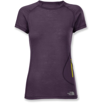 Constructed of soft merino wool, the women's Litho top from The North Face is comfortable for layering in cool weather or wearing on its own when you warm up. Moisture-wicking merino wool fabric naturally resists odors. You'll move without restriction thanks to an athletically patterned design that's meant to enhance motion. Easy-to-access, intuitive zippered pocket stores small items. The North Face Litho top for women offers an athletic, close-fitting cut to enhance warmth without inhibiting movement. - $39.83