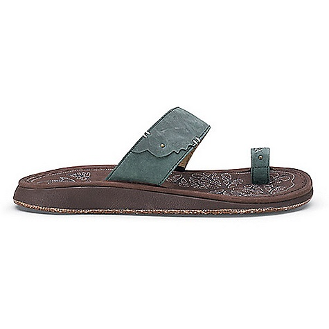 Surf Free Shipping. OluKai Women's Hauhoa Sandal DECENT FEATURES of the OluKai Women's Hauhoa Sandal Upper: Premium full-grain leather straps distressed for a supple feel and lined with soft synthetic leather Footbed: Anatomical compression-molded EVA midsole with antiqued and oiled full-grain leather footbed with leather binding edge Outsole: Non-marking gum rubber with fish scale pattern and infused with natural burlap fibers Unique hidden elastic midfoot strap for an adjustable fit Double row saddle-inspired microstitching and metal rivet details - $99.95