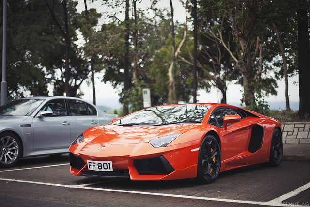 Auto and Cycle Aventador.