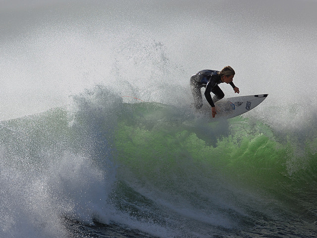 Surf STORM SURF (Rider Billy Stairmand)
