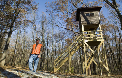 Hunting Pat Highley and his custom, self-sufficient deer stand